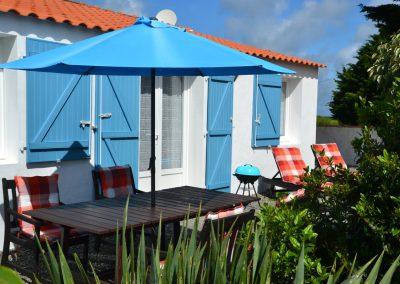 eigen prive terras bij vakantiehuisje in Frankrijk