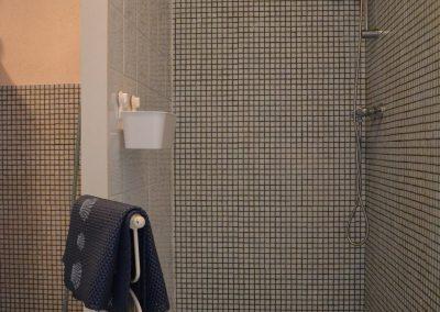 inloopdouche in vakantiewoning in frankrijk