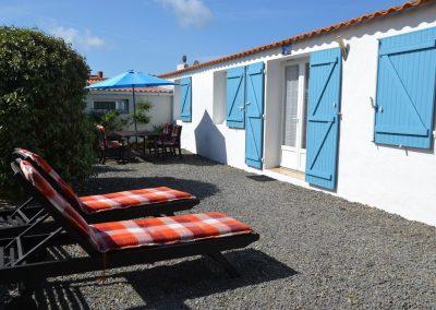 ruime tuin bij vakantiewoning in Frankrijk