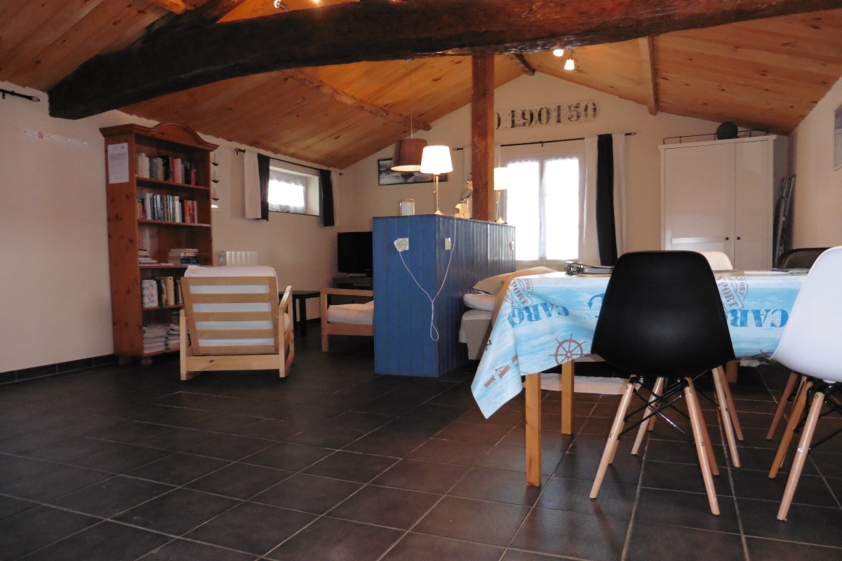Studio Apartment Of 42m2 With Own Entrance And Garden In The Vendee