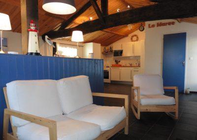 studio aan de kust in frankrijk met gezellig zitje