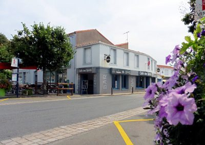 cafe in Beauvoir-Sur-Mer