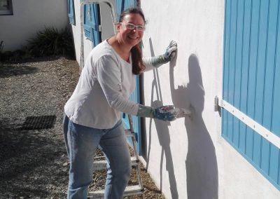 nieuwe laag verf op de muur