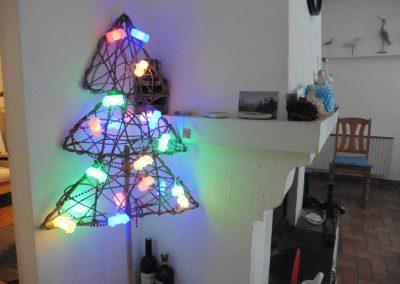 kerstdeco in de huiskamer