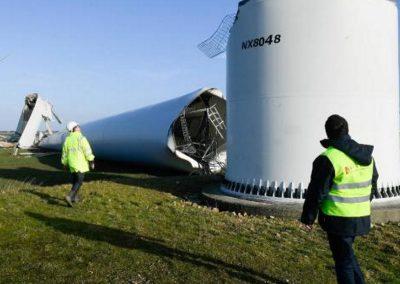 windmolen omgewaaid in frankijk 2