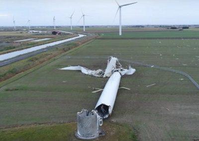 windmolen omgewaaid in frankijk