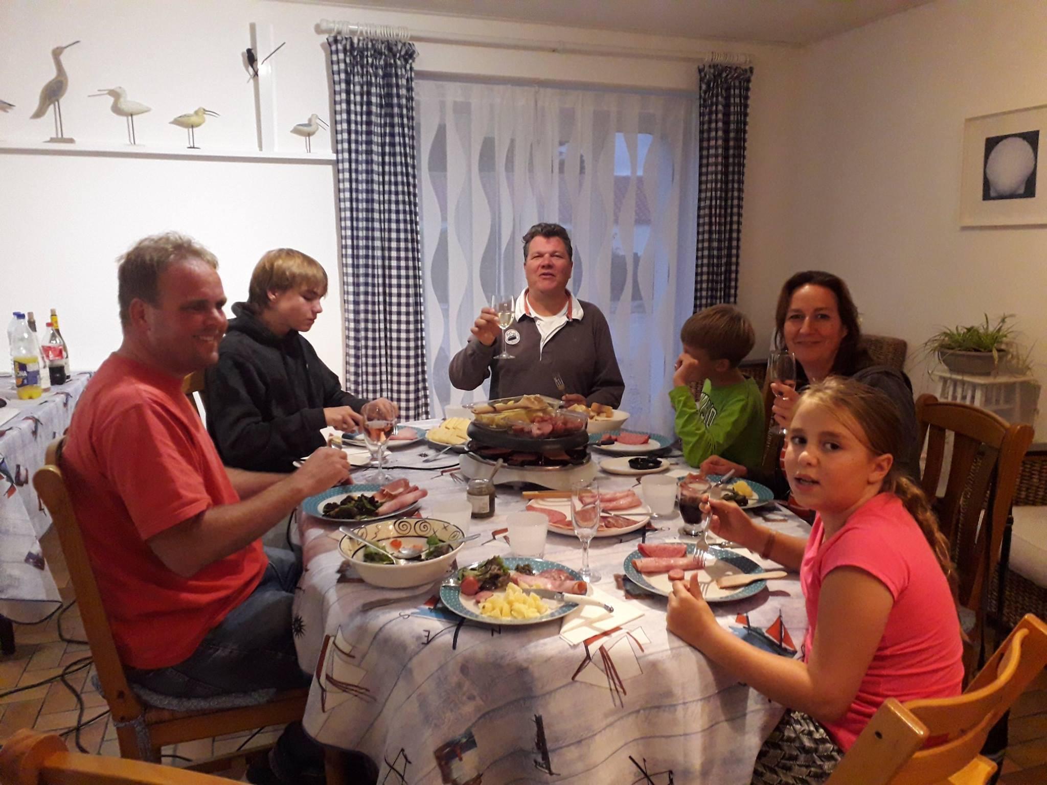 gezellig diner in Frankrijk