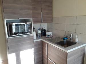 kamer met kleine keuken in Frankrijk