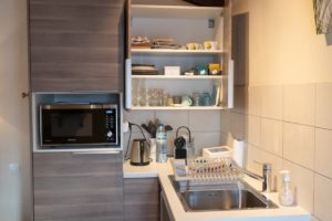 Hele complete kitchenette in kamer in Frankrijk