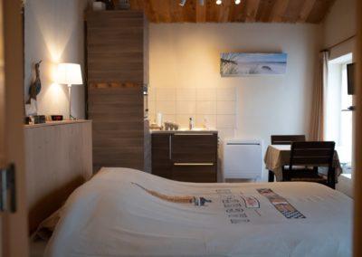 kamer in frankrijk met groot bed