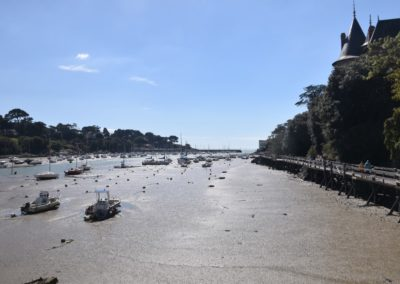 haven bij laag water in Frankrijk
