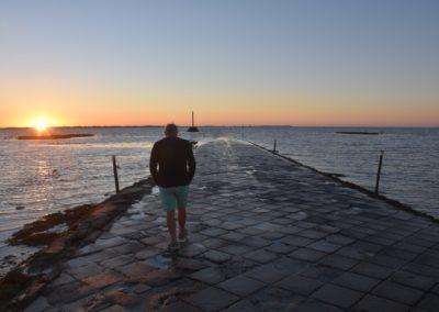 mooie zonsondergang aan de franse kust
